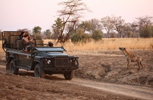 Game_Drives_Norman_Carr_Safari_DH